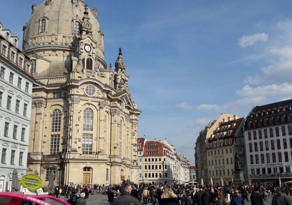 Neumarkt mit Frauenkirche in Dresden